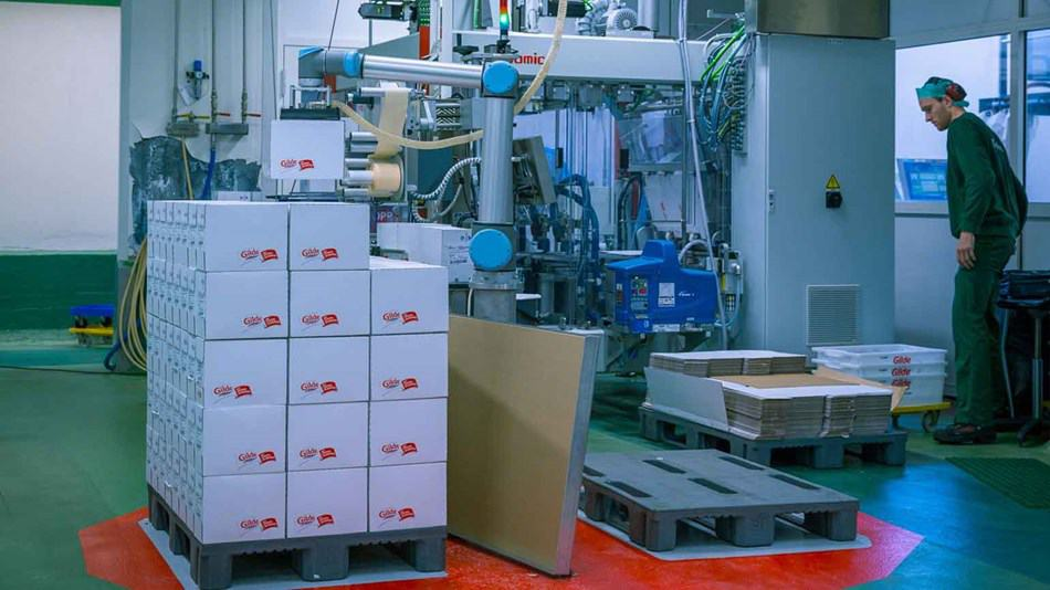 Universal Robots: Packaging and Palletizing by Collaborative